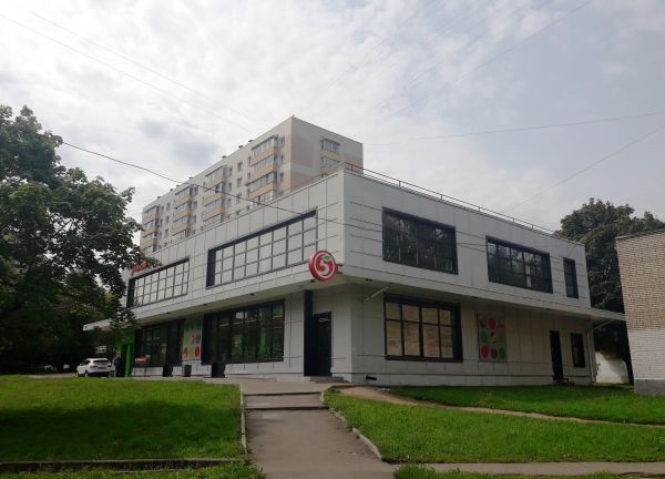 Торговый комплекс шаговой доступности в районе Гольяново г. Москвы